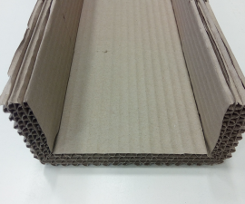 Protective profile of the multi-layered corrugated cardboard